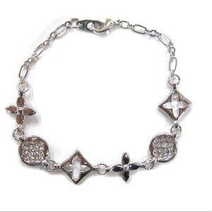 Jewelry - Hugs n kisses Pavé bracelet, NWT